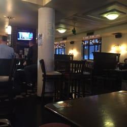 Leonard Corner Cafe Bar