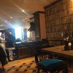 Oscar's Bar & Kitchen